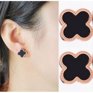 日韓版鍍18K玫瑰金鈦鋼四葉草耳釘日韓國簡約黑色耳環