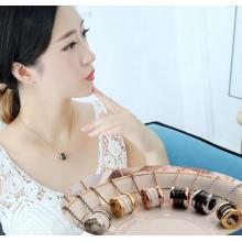 玫瑰金 鈦鋼羅馬數字陶瓷彈簧項鍊女鎖骨鍊