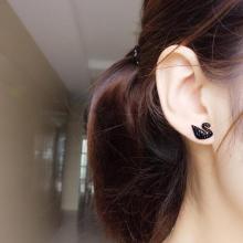 鈦鋼18K玫瑰金黑天鵝 滿鑽耳環