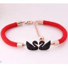 天鵝黑鑽鈦鋼紅繩手鍊